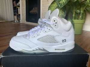 Jordan 5 metallic silver and white size 6 youth for Sale in Los Angeles, CA