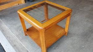 Wood/glass end tables(1pair) for Sale in Columbus, OH