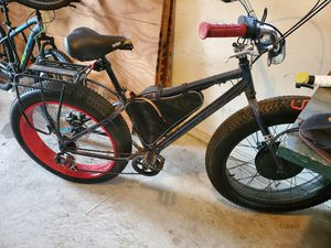 Fat tire electric bike, battery pack with saddle bags for Sale in Port Allen, LA