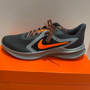 nike men running shoe size 8, 8.5, 9, 9.5, 10, 11 for Sale in Westminster, CA