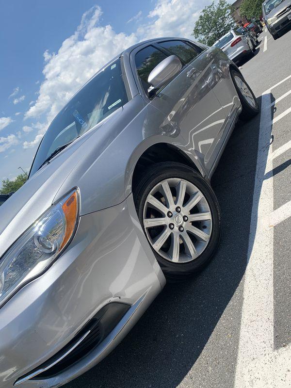 *CLEAN. 2013 Chrysler 200 M