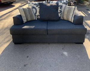 Living spaces loveseat (like new) for Sale in San Diego, CA