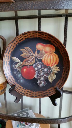 Decorative plates with stands for Sale in Wilder, KY