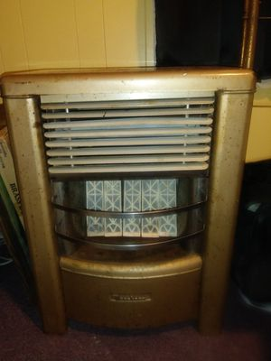 Dearborn 25,000btu gas heater for Sale in White Hall, AR