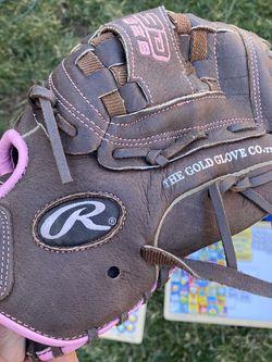 Girls softball glove for Sale in Murrieta,  CA