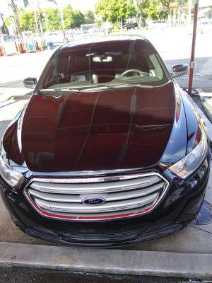Ford taurus 2013 for Sale in Miami, FL