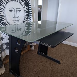 Tempered Glass Top Desk for Sale in Huntington Beach, CA