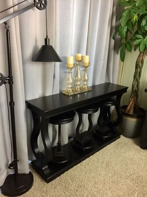 Bar/behind sofa console table with 3 matching hideaway stools for Sale in San Diego, CA