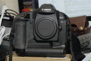Canon 1D Mark II N for Sale in Haledon, NJ