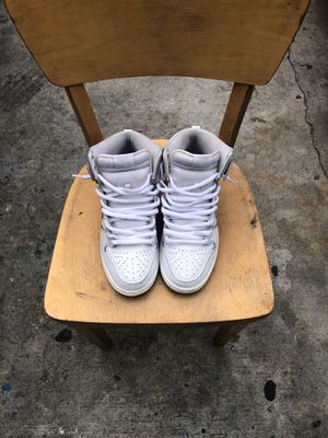 Nike sb size 10 for Sale in Los Angeles, CA