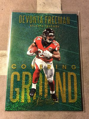 2018 Panini Absolute Covering Ground #CG-DF Devonta Freeman GOLD SPECTRUM Card for Sale in Fresno, CA