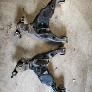2017 Toyota Tacoma OEM LCA With Ball Joints for Sale in Kent, WA