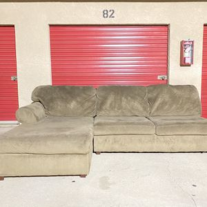 Soft Suede Sectional Sofa Couch for Sale in Los Angeles, CA