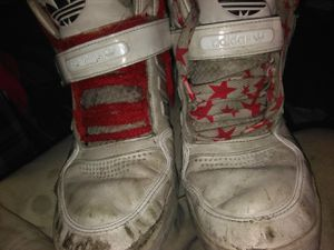 Used shoes needs a new home 3$ for Sale in Salt Lake City, UT