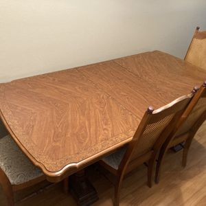 FREE Solid Wood Dining Set PICK UP TODAY) for Sale in Orlando, FL