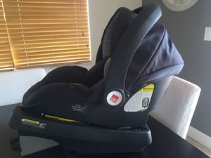 GB infant car seat, new/mint condition!! $45 great deal!! for Sale in Hialeah, FL