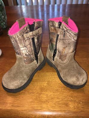 little girls boots for Sale in Greenwood, MO