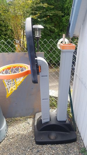 Basket ball hoop for Sale in SeaTac, WA