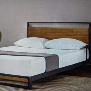 Brand New (In The box) Zinus Suzanne Queen Platform Bed With Headboard In Chestnut Brown for Sale in Batavia, OH