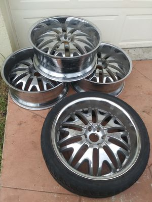 "24"" velocity wheels VW820 chrome rims (4) for Sale in Miami, FL"