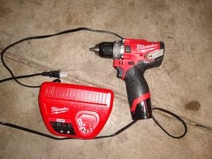 Milwaukee Fuel M12 Hammer Drill for Sale in Calexico, CA