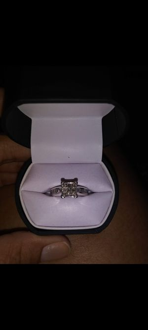 White gold wedding ring . size 7💍 10k payment only . PayPal or cashapp . Thank you 😊 for Sale in Avon Park, FL