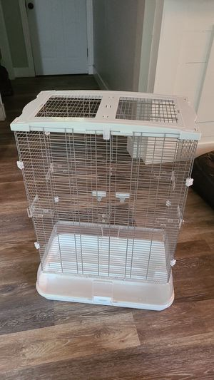 Vision Bird cage with bowls for Sale in Belleville, IL