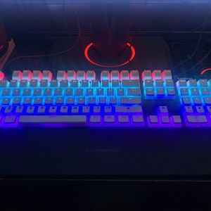 Apex Pro Gaming Keyboard for Sale in Orlando, FL