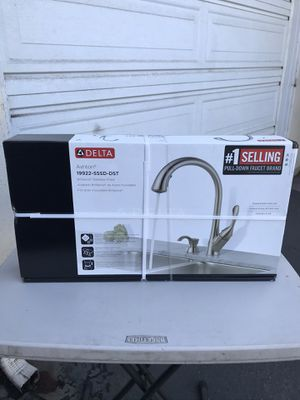 DELTA KITCHEN WATER FAUCET NEW for Sale in Westminster, CA