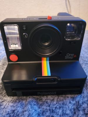 Polariod one step + and polariod snap for Sale in Fresno, CA
