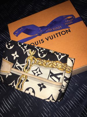 Louis Vuitton scarf for Sale in Farmers Branch, TX