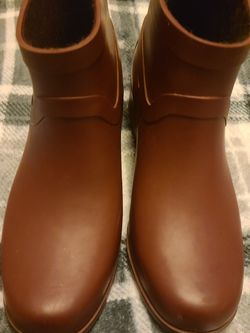 Luck Brand Lightly Worn Rain Boots With Fur Lined Inserts for Sale in Vancouver,  WA
