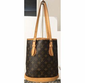 Authentic Louis Vuitton Monogram Bucket PM Shoulder Tote Bag for Sale in West Covina, CA