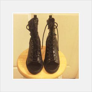 Women's shoes for Sale in Philadelphia, PA