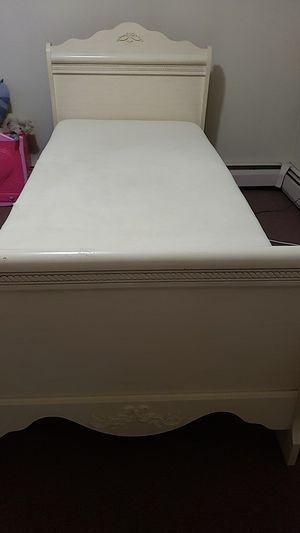 XL twins beds for Sale in Pawtucket, RI