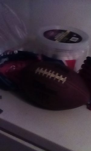 Baseballs all for 10$ youth new Right hand gloves football Wilson NFL for Sale in North Las Vegas, NV
