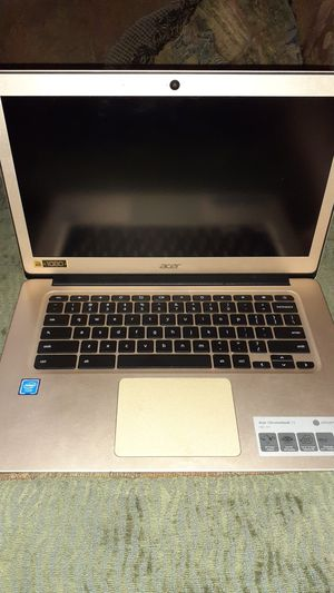 Mint condition Gold Chromebook Full HD All metal case with 12 hour battery !! for Sale in Carbondale, IL