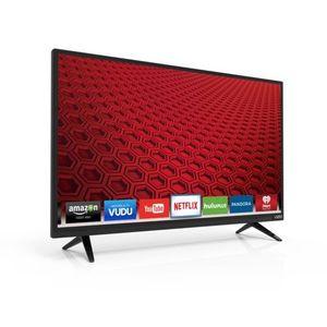 Vizio E32-C1 32 inch 1080p Smart LED TV near 20th St & Greenway Rd for Sale in Phoenix, AZ