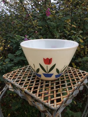 Tulip Plant Pot for Sale in Kent, WA
