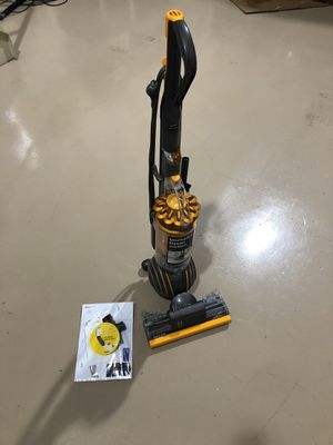 Dyson Multi-Floor 2 Upright Vacuum Excellent Used Condition w/ paperwork for Sale in Fort Lauderdale, FL