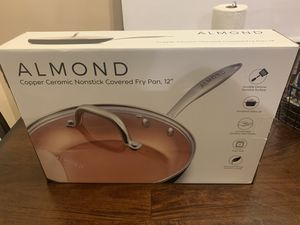Almond copper ceramic nonstick covered fry pan 12 inches for Sale in Los Angeles, CA