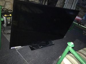 """Element TV """"55 inch"""" Screen does not work!!! for Sale in Pittsburgh, PA"""