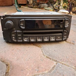 2002-2007 Dodge Chrysler Jeep FM/AM CD Radio Part No: P05091506AE for Sale in Santee, CA
