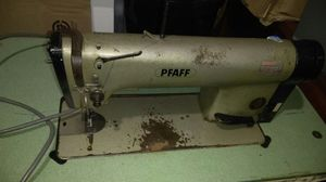 PFAFF Sewing Machine for Sale in Fort Washington, MD