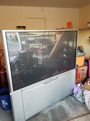 65 inch Hitachi TV 2 32 inch TVs Samsung smart TV and RCA for Sale in North Las Vegas, NV