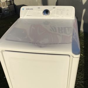 Samsung 7.2 cu. ft. Gas Dryer with Moisture Sensor for Sale in San Diego, CA