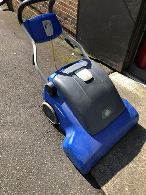 """Windsor NuWave 26"""" Wide Area Vacuum for Sale in Mint Hill, NC"""