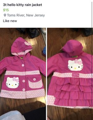 Hello kitty rain jacket 3t for Sale in Toms River, NJ