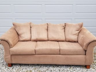 Couch OBO for Sale in North Ridgeville,  OH