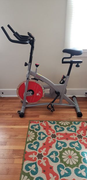 Sunny Health & Fitness Indoor Spin Bike for Sale in Swissvale, PA